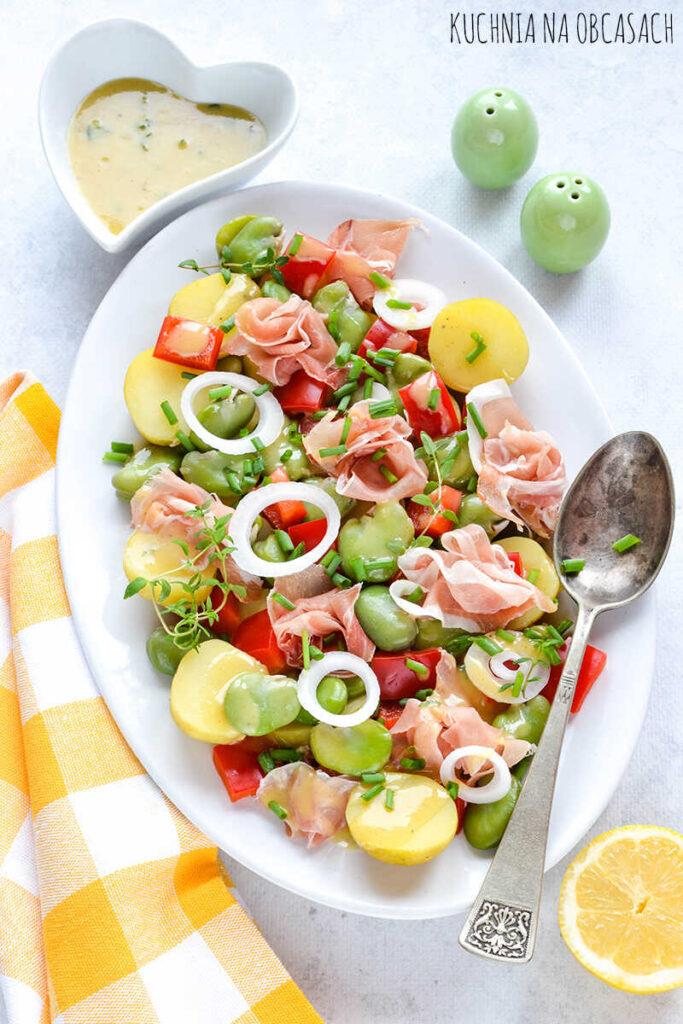 salatka-z-mlodych-ziemniakow-bobu-i-szynki-serrano_optimized